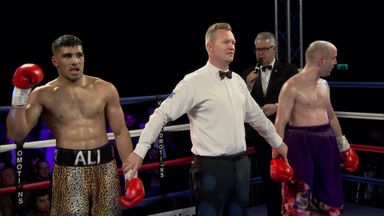 Diabetic boxer wins first pro fight