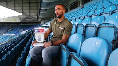 Roofe wins Player of the Month