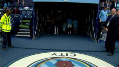 102-year-old mascot leads City out!