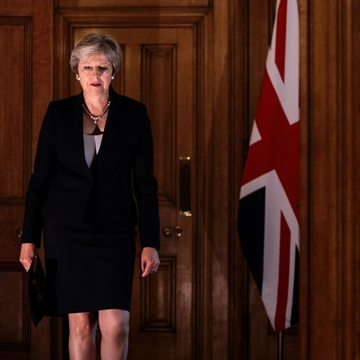 Theresa May tells ministers to 'hold their nerve'