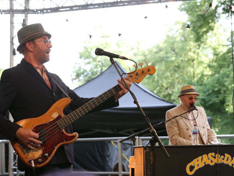Chas & Dave singer Chas Hodges dies aged 74