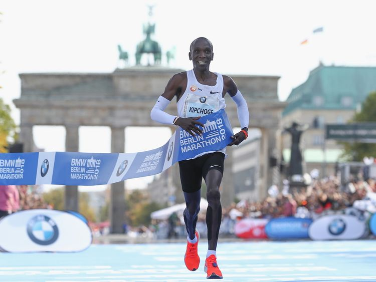 Eliud Kipchoge of Kenia crosses the finishing line to win the Berlin Marathon 2018 in a new world record time