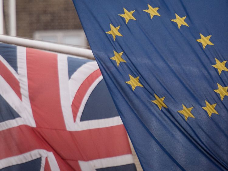 Major trade union backs second Brexit referendum