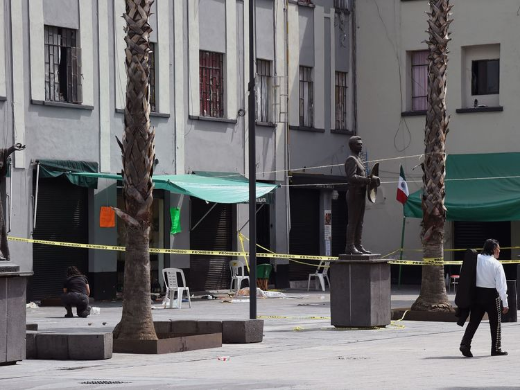 View of the Plaza Garibaldi square in downtown Mexico City on September 15, 2018 a day after gunmen dressed as mariachi musicians killed four people and wounded nine others. - The five assailants carried out the shootings shortly before 10pm on Friday (0300 GMT Saturday) in the busy Plaza Garibaldi -popular with foreign tourists. Neither the motive for the attack nor the identities of the gunmen were known, but the area is located near the Tepito neighbourhood, where a cartel considered the larg