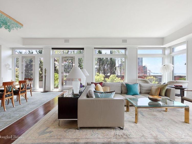 meryl streep lists NY mansion https://www.elliman.com/