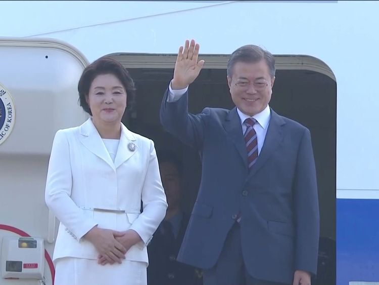 South Korean President Moon Jae-in and First Lady Kim Jung-sook depart for Pyongyang