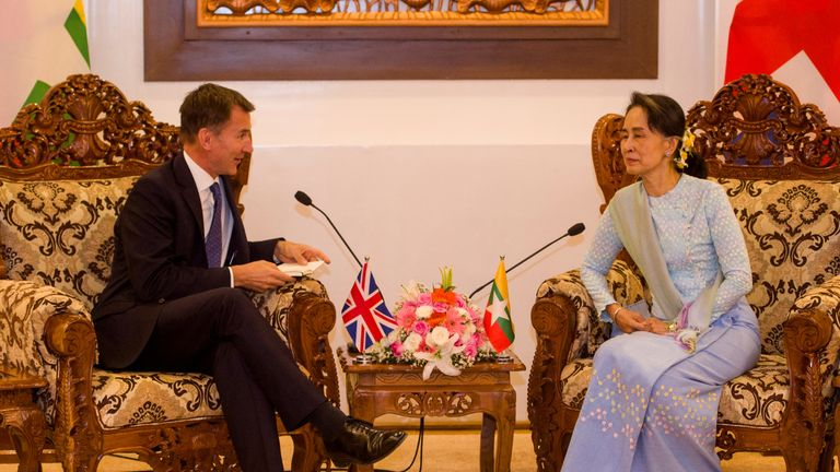 """Mr Hunt had a """"lively and frank"""" discussion with Ms Suu Kyi"""