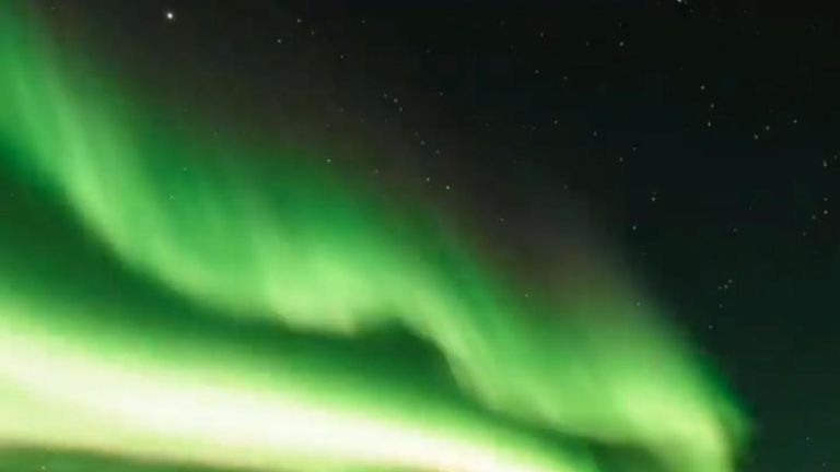 Aurora lights up the southern hemisphere sky