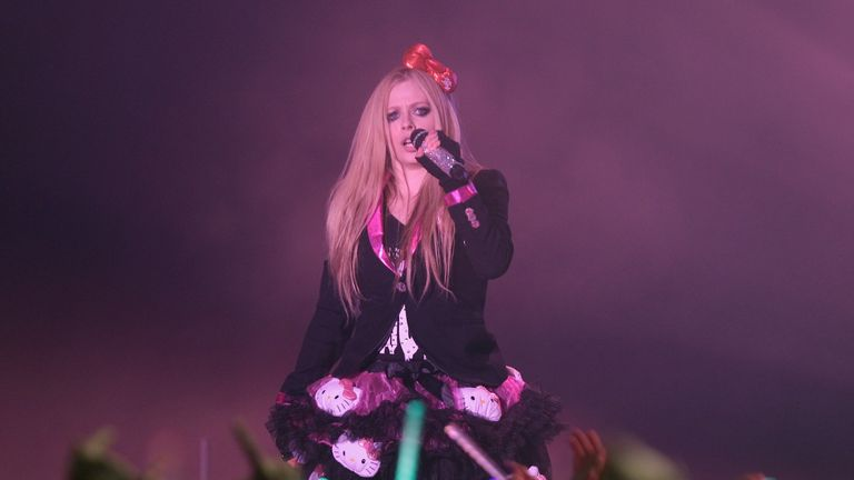 Avril Lavigne performing  in 2014, before she contracted Lyme disease
