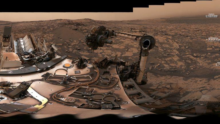 Vera Rubin Ridge - panorama by Curiosity rover on Mars. Pic: NASA