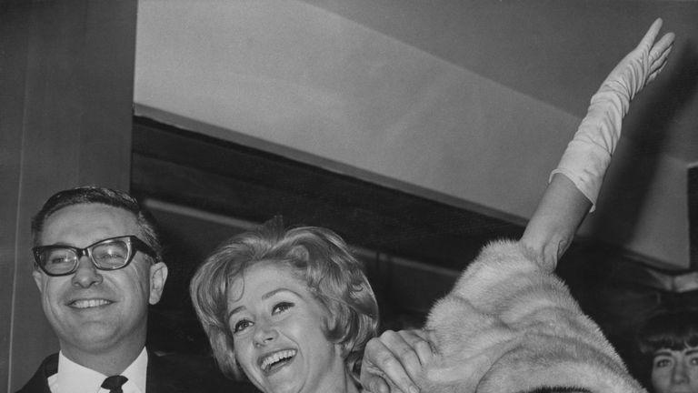 Liz Fraser married TV director Bill Hitchcock in 1965