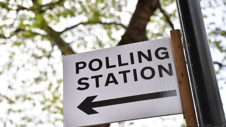 A polling station sign points the way for people to vote in local elections in London on May 3, 2018. - Voters in England went to the polls Thursday to choose local councillors in the first electoral test for Prime Minister Theresa May since she lost her parliamentary majority last year. (Photo by Ben STANSALL / AFP) (Photo credit should read BEN STANSALL/AFP/Getty Images)