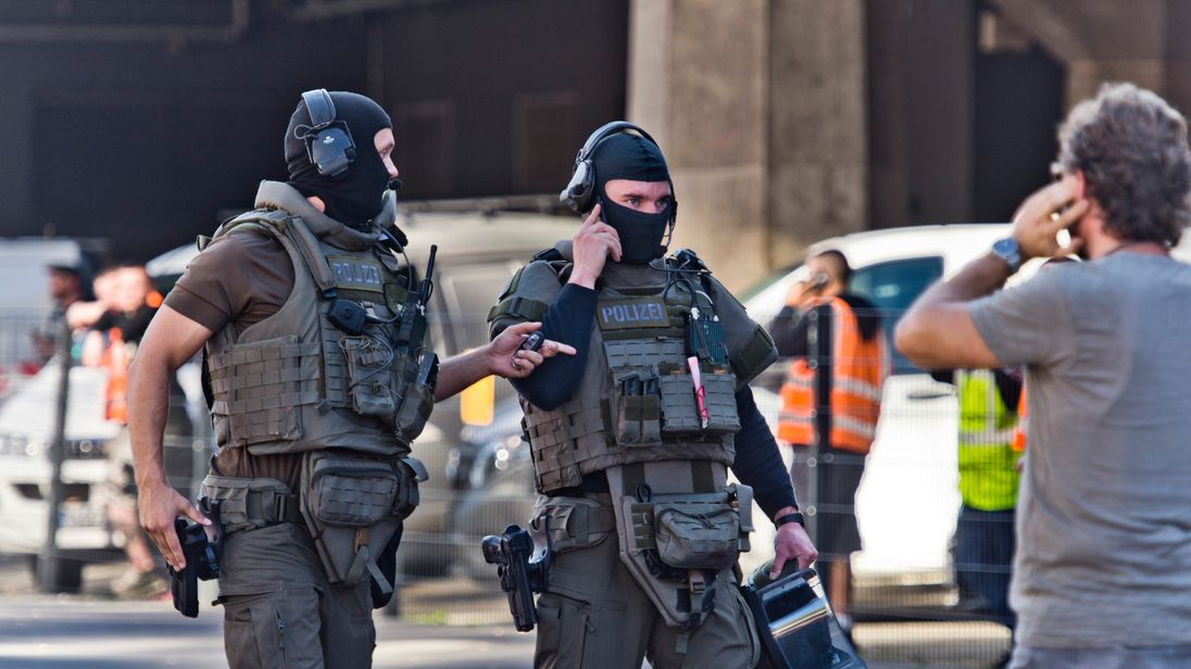 Hostage held at Cologne main train station