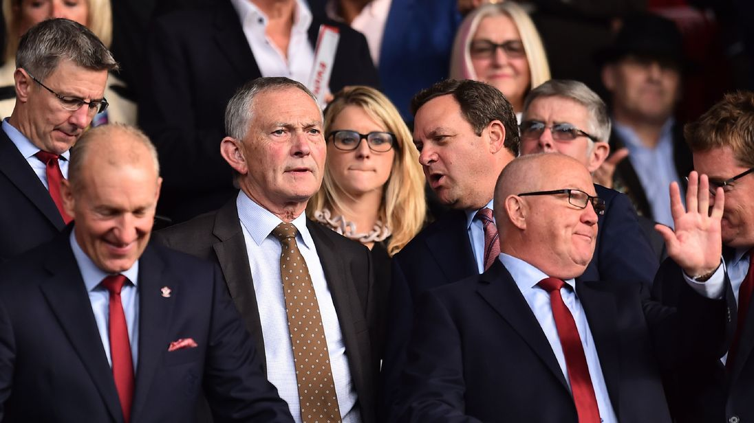 Richard Scudamore (C), at the English Premier League football match between Southampton and Newcastle in 2017