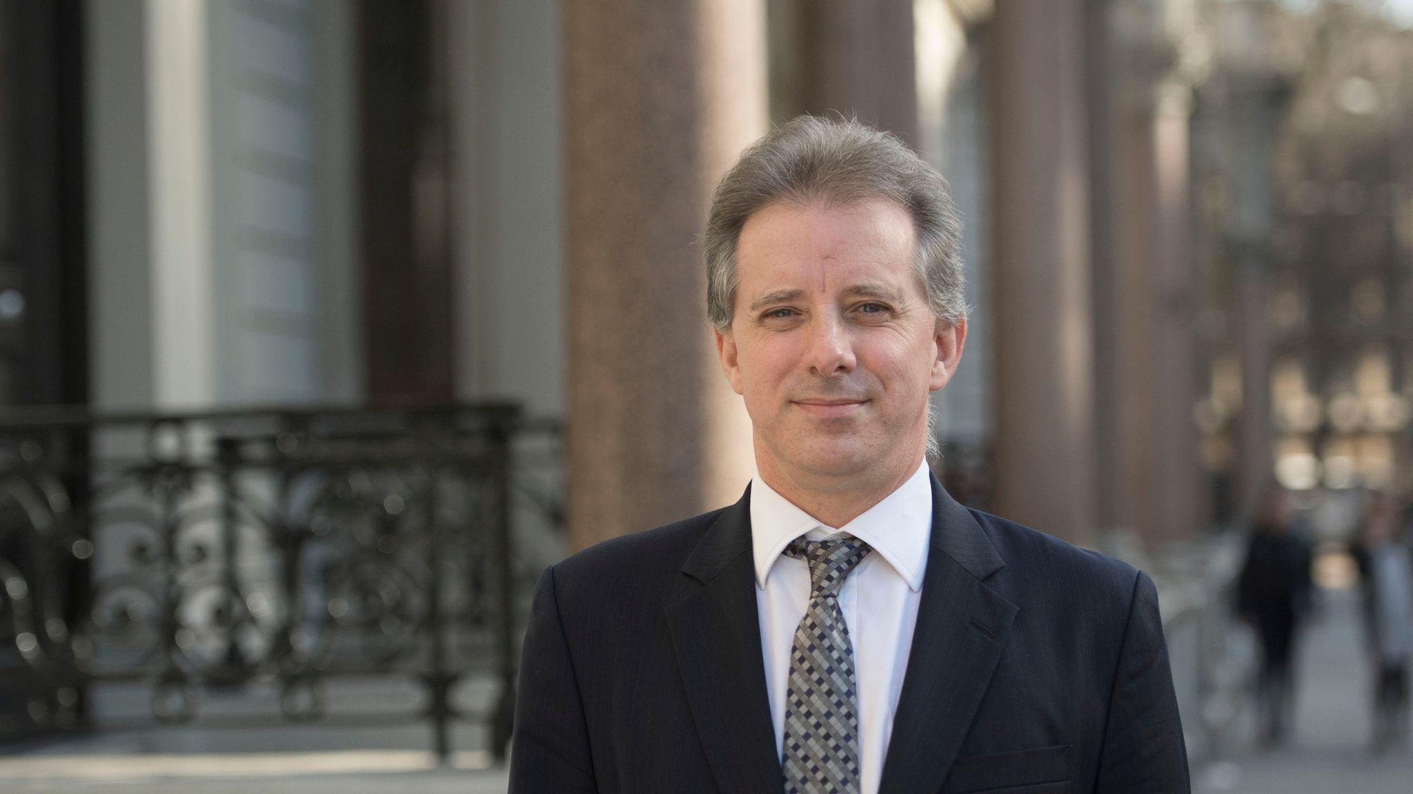 'Fraught with danger': Ex-MI6 officer behind Russia dossier warns about discussing sources
