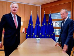 EU chief Brexit negotiator Michel Barnier (L) and European Council President Donald Tusk (R)