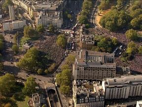 The crowds gathering in London for the People's Vote rally