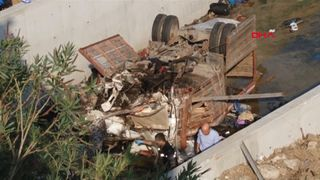 Children among 22 dead as truck crashes in Turkey