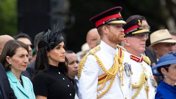 Prince Harry, Duke of Sussex and Meghan, Duchess of Sussex attend the Official opening of ANZAC Memorial in Hyde Park, on October 20, 2018 in Sydney, Australia