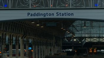 Paddington Station is closed after a lines fault