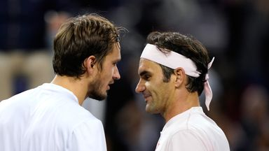 Federer v Medvedev: Highlights