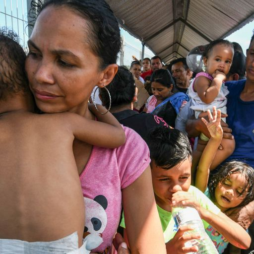 Dehydrated children in Mexico migrant caravan need urgent care, UNICEF says