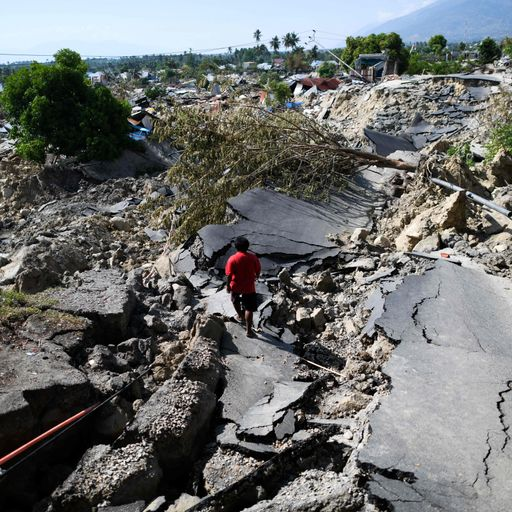 Why the ground turns to liquid in an earthquake
