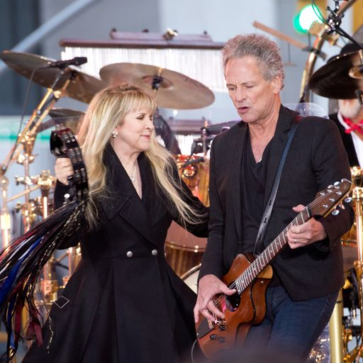 Fleetwood Mac ready for court date with Buckingham