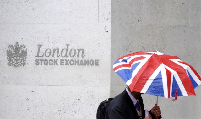 London Stock Exchange spurns £30bn takeover bid by Hong Kong rival HKEX