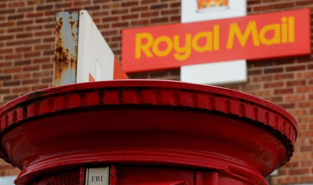 Royal Mail in legal bid to block national Christmas strike