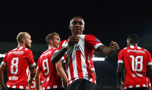 Tottenham make approach for PSV winger Steven Bergwijn