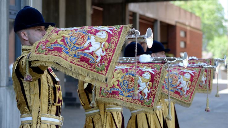 State trumpeters from the Household Cavalry will perform a fanfare