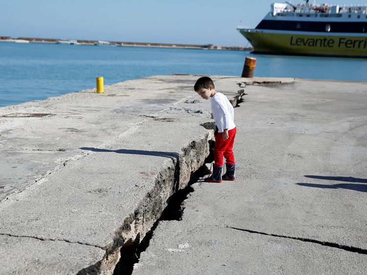 'Screams' as powerful earthquake hits Zante