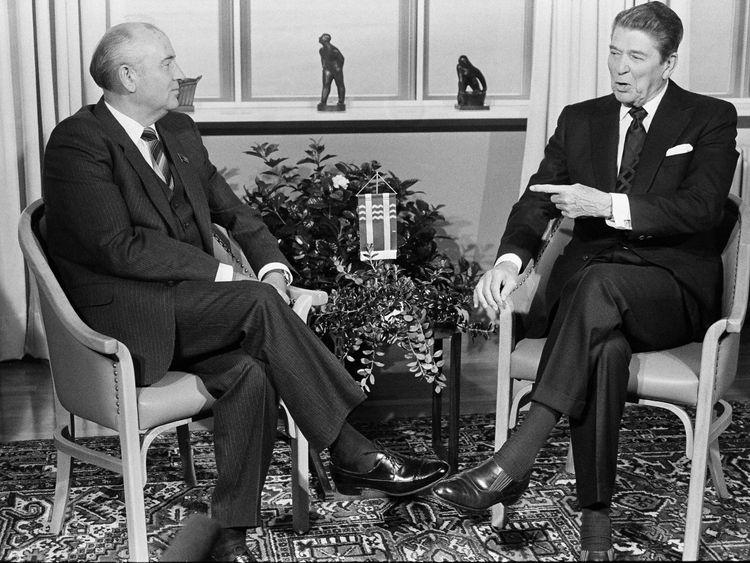 Soviet President Mikhail Gorbachev (L) and U.S. President Ronald Reagan begin their mini-summit talks in Reykjavik October 11, 1986