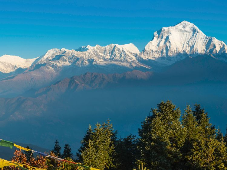 Group of nine missing in Nepal Himalayas