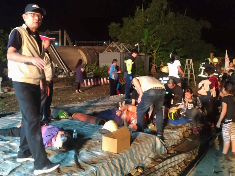 At least 22 killed in Taiwan train derailment
