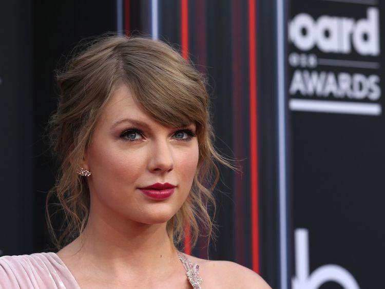 Taylor Swift at the Billboard Music Awards