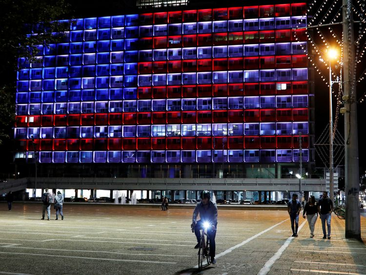 Municipality building in Tel Aviv is lit in the colours of the American flag in solidarity with the victims of the Pittsburgh synagogue attack