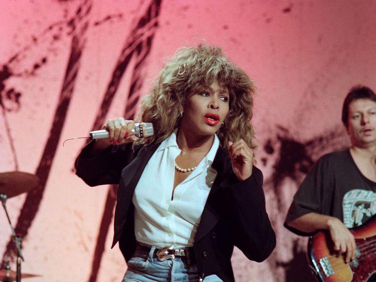 Tina Turner reveals husband gave her kidney