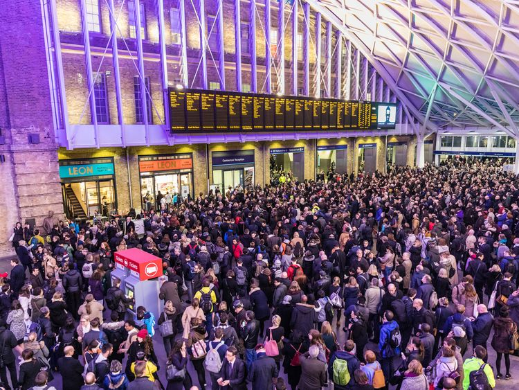 Survey reveals the 'worst' train stations in the United Kingdom for delays