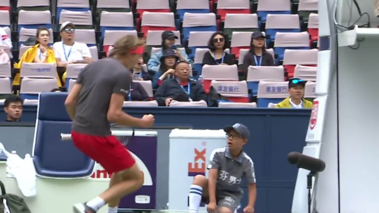 Alexander Zverev scares ball boy during Shanghai Masters match