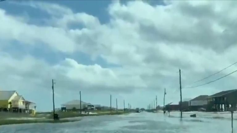 Streets hit by floods in Alabama ahead of Hurricane Michael