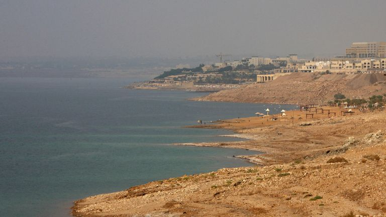A picture shows the Jordanian shores of the Dead Sea on November 19, 2008