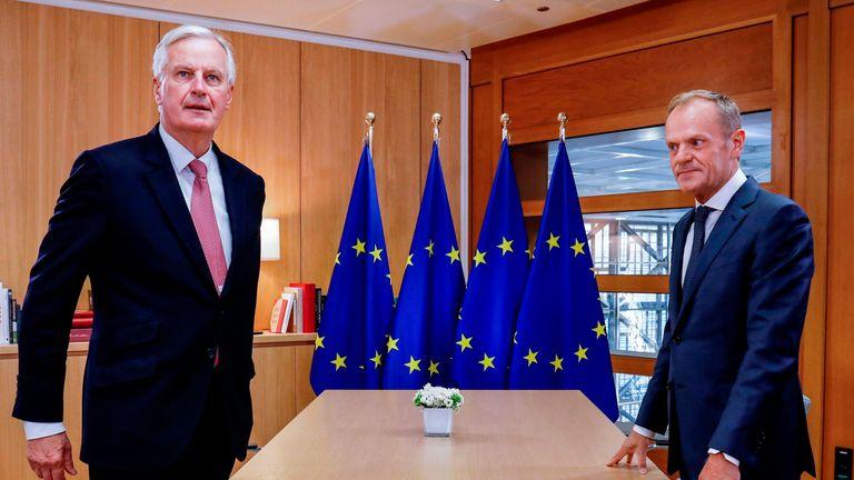 EU chief Brexit negotiator Michel Barnier (L) and European Council President Donald Tusk (R)