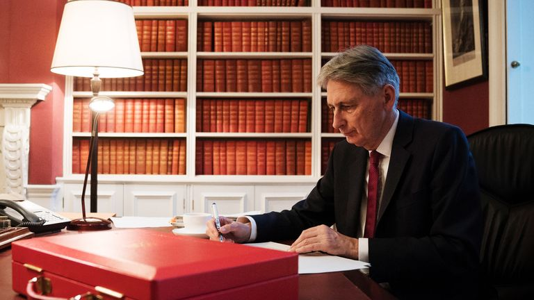 LONDON, ENGLAND - NOVEMBER 21:  (EDITORS NOTE: IMAGES STRICTLY EMBARGOED FROM ALL USAGE UNTIL 18:00 GMT ON TUESDAY NOVEMBER 21, 2017) Chancellor of the Exchequer, Philip Hammond, prepares his speech in his office in Downing Street ahead of his 2017 budget announcement tomorrow, on November 21, 2017 in London, England. The Chancellor is expected to announce extra money for the housing market and no changes to personal income tax or National Insurance.  (Photo by Christopher Furlong/Getty Images)