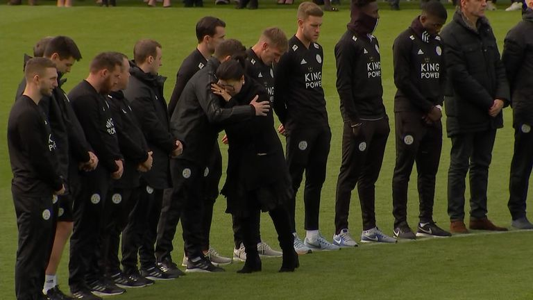 Leicester players broke down in tears as they paid tribute to the club's late chairman