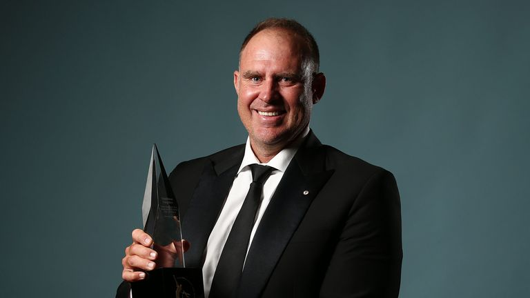 Matthew Hayden collects the 2017 Allan Border Medal in Sydney