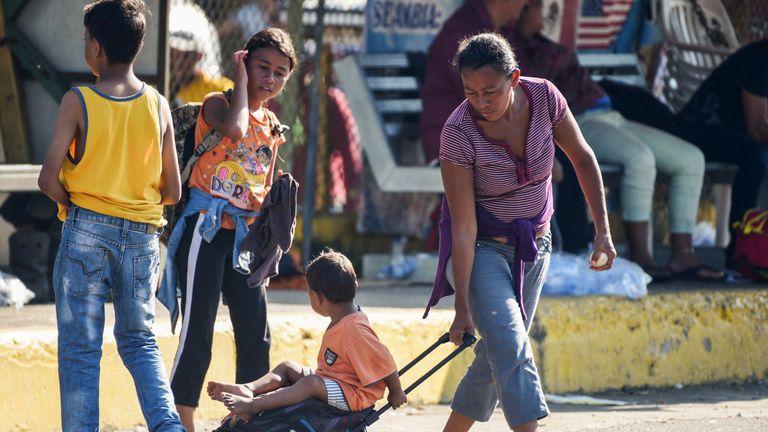 Honduran migrants head to the US