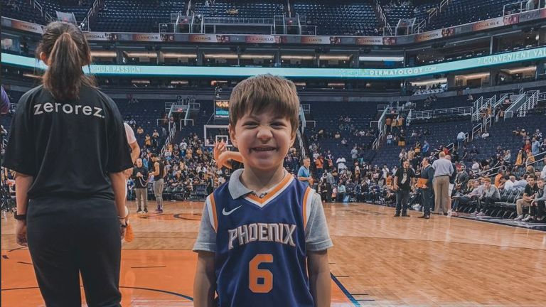 Teddy at a game between the Pheonix Suns and the LA Lakers. Pic: Twitter/@Suns