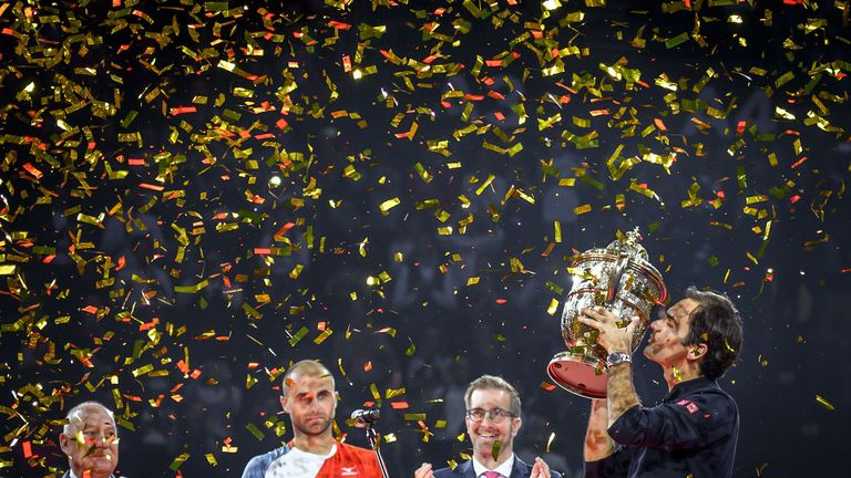 0:22                                            Watch as Rodger Federer gives thanks to all his fans worldwide
